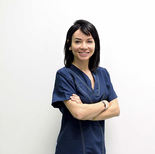 Adela Campodonico dentista